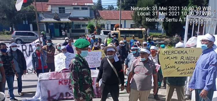 Babinsa Koramil 03/BT Himbau Masa Aksi Demo di Desa Guru Kinayan