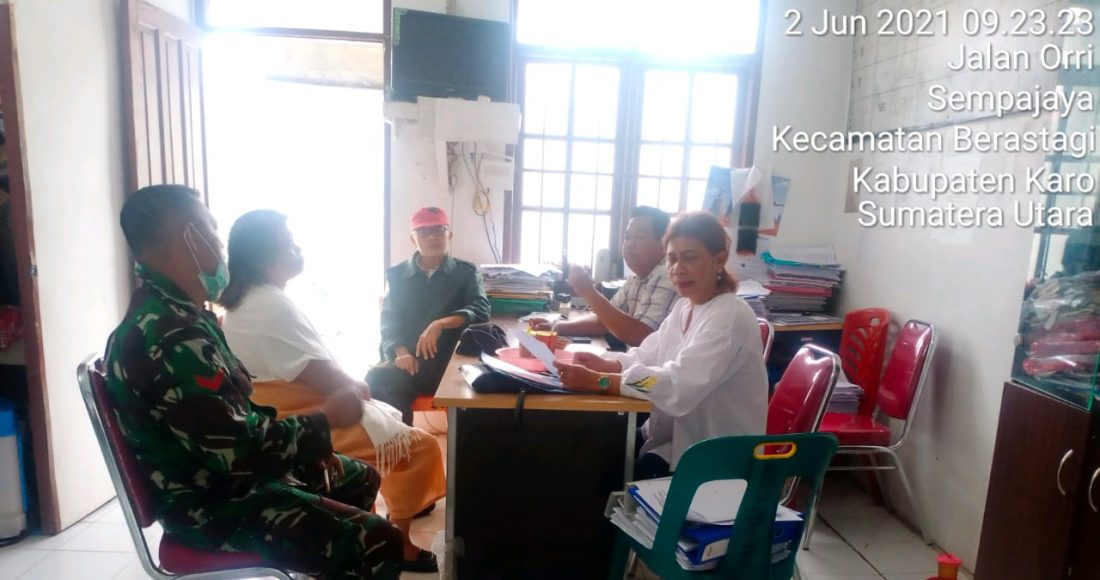 Personel Babinsa Koramil 03/BT Giat Laksanakan Komunikasi sosial