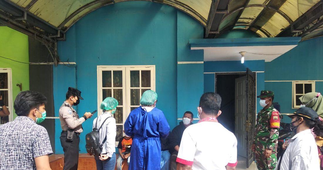 Babinsa Koramil 03/BT Melakukan Tracing Kepada Anggota Keluarga Warga Sempa Jaya yang Positif Corona