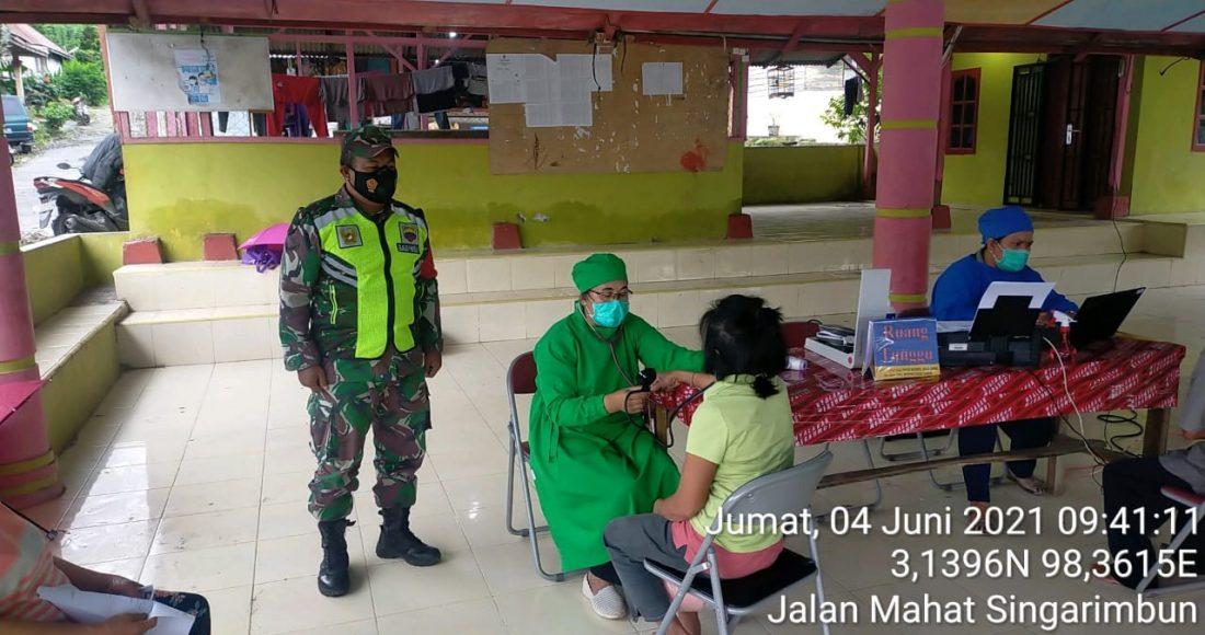 Tiga Puluh Lansia Kecamatan Tiganderket Jalani Vaksinasi Tahap Pertama