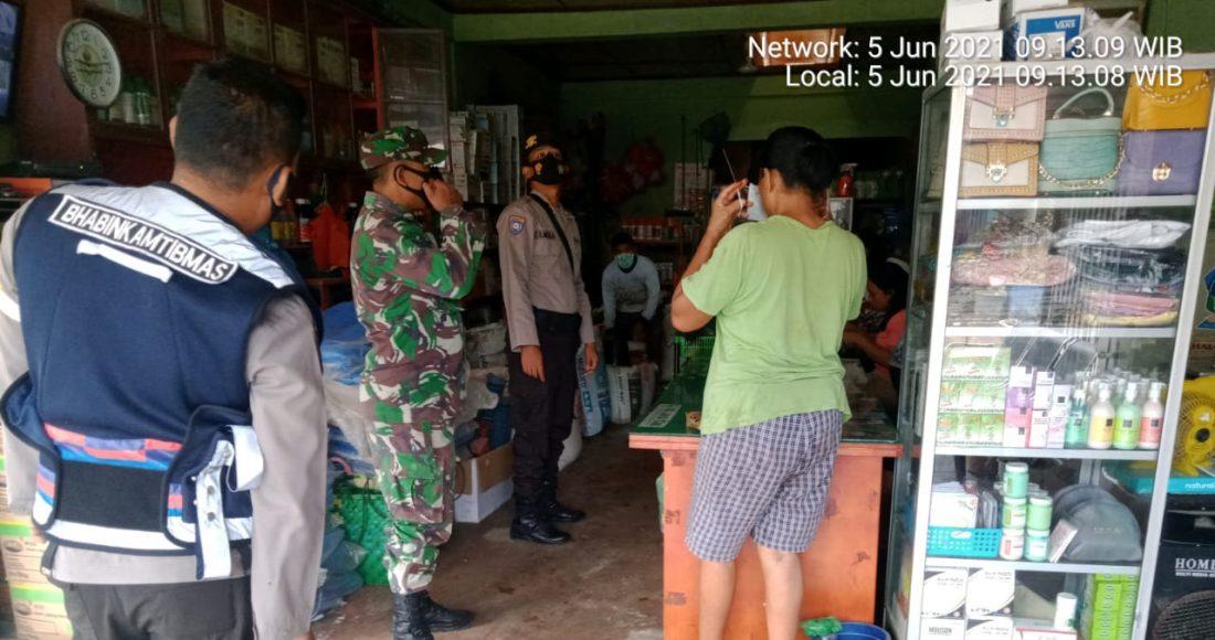 Antisipasi Penyebaran Covid19, Babinsa Koramil 09/LB, Serius Berikan Himbauan Prokes