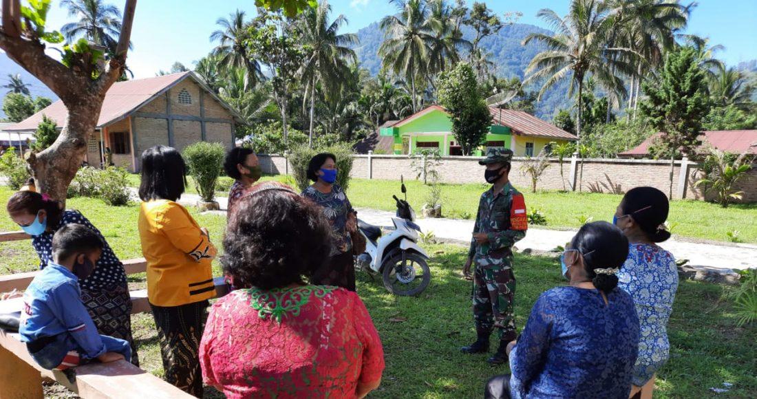 Babinsa Koramil 07/Juhar Rutin Berikan Himbauan Prokes Pada Masyarakat