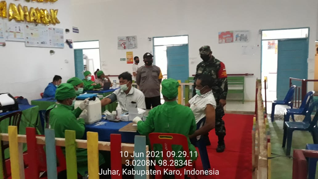 Seratus Tiga Puluh Masyarakat Kecamatan Juhar Terima Vaksinasi Tahap Pertama