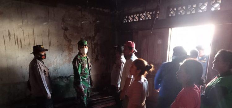 Satu Unit Rumah Warga Kecamatan Juhar Hangus Dilalap Api