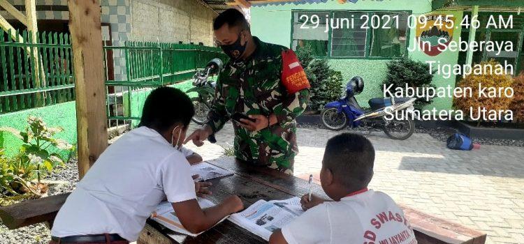 Personel Koramil 02/TP Bantu Proses Belajar Daring Siswa SD Manfaatkan Wifi
