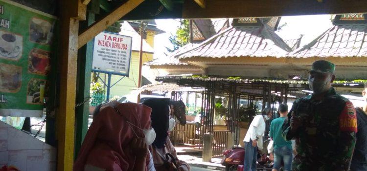 Personel Koramil 03/BT Gelar Disiplin Prokes di Pasar Buah Berastagi