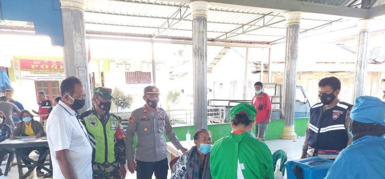 Babinsa Koramil 01/BJ Monitor Penyuntikan Vaksin covid19 di Desa Paribun