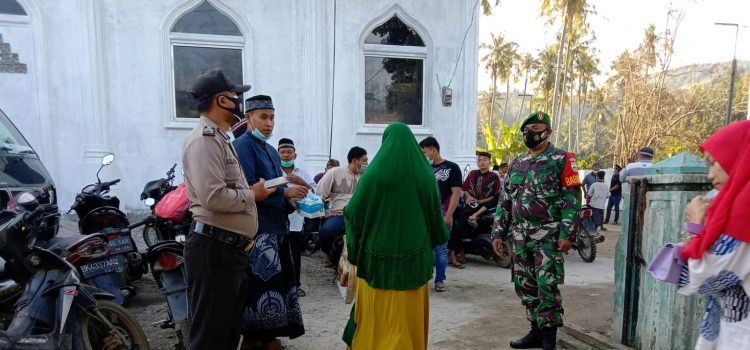 Babinsa Koramil 09/LB Lakukan Monitoring di Sejumlah Masjid Laubaleng Saat Pelaksanaan Shalat Idul Adha