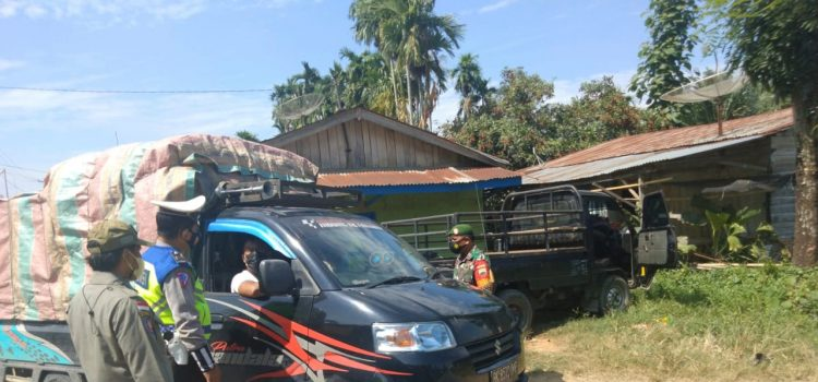 Koramil 09/LB dan Polsek Mardinding Perketat Pengawasan Di Pos PPKM Mikro Desa Lau Pakam
