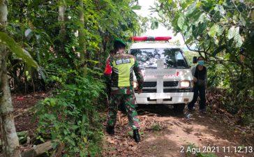 Personel Koramil 08/TB Bantu Pemakaman Warga Secara Protokol Covid19