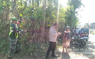 Gotong Royong di Tengah Masyarakat Dalam Membersihkan Limgkungan Terus Ditingkatkan Babinsa Koramil 05/PY