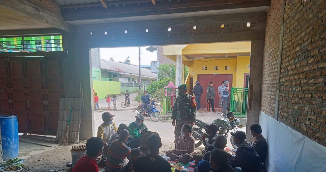 Himbauan Menaati Protokol Kesehatan Ditengah Pandemi Terus di Gaungkan Koramil 02/TP