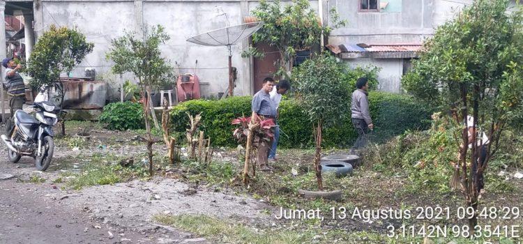 Babinsa Koramil 05/PY Ajak Warga Laksanakan Gotong Royong Bersihkan Lingkungan