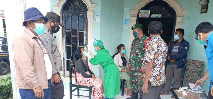 Babinsa Koramil 01/BJ Dampingi Pelaksanaan SWAB Kepada Masyarakat Barusjahe