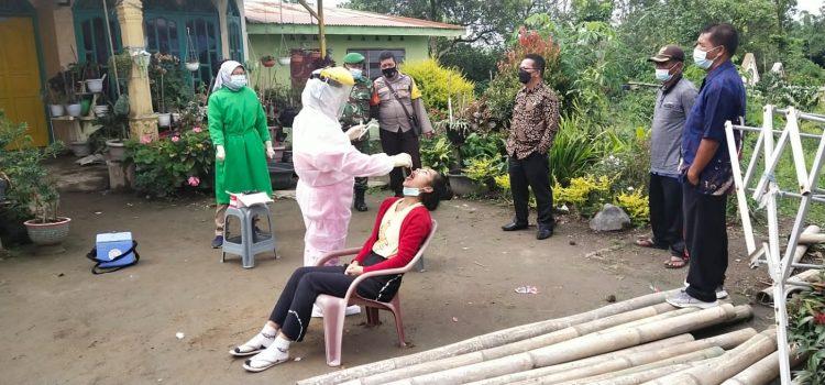 Babinsa Koramil 04/SE Dampingi Proses Tes Swab Kepada Warga Desa Deram
