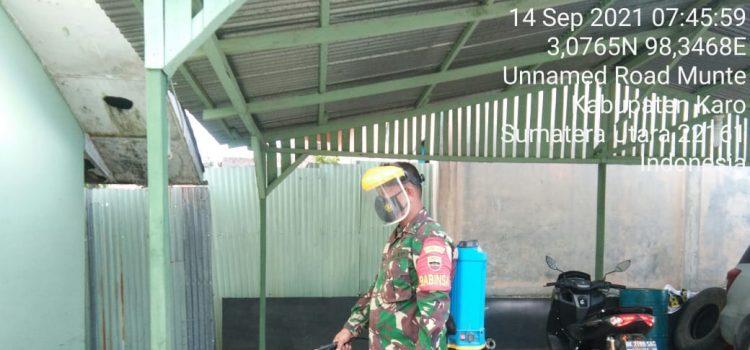 Babinsa Koramil 06/MT Rutin Semprotkan Disinfektan di Lingkungan Kerja