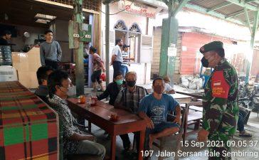 Babinsa Koramil 07/JH Rutin Himbau Masyarakat Untuk Patuhi Prokes Selama Pandemi