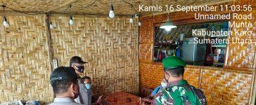 Babinsa Koramil 06/MT Sosialisasikan PPKM Mikro Kepada Sejumlah Warga Munte