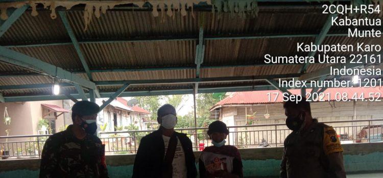 Babinsa Koramil 06/MT Awasi Penyerahan BLT Kepada Warga Desa Kaban Tua