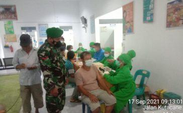 Babinsa Koramil 09/LB Lakukan Pendampingan Vaksinasi Remaja di Mardinding