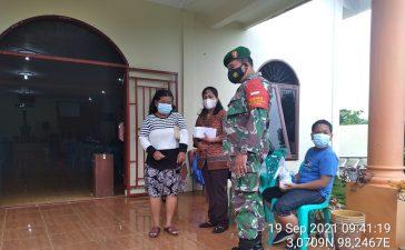 Babinsa Koramil 08/TB Laksanakan Himbauan Kepada Warga yang Melakukan Kebaktian di Gereja