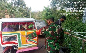 Babinsa Koramil 07/JH Laksanakan Pengawasan di Posko Relawan Covid Kecamatan Juhar