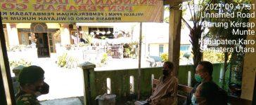 Babinsa Koramil 06/MT Laksanakan Komsos Mengenai Prokes Kepada Warga Desa Barung Kersab