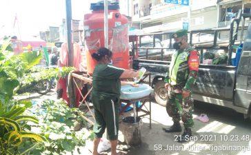 Babinsa Koramil 08/TB Lakukan Patroli Prokes di Sejumlah Tempat Keramaian Tiga Binanga