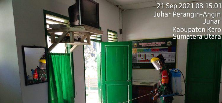 Babinsa Koramil 07/JH Rutin Semprotkan Disinfektan di Kantor dan Lingkungan Kerja