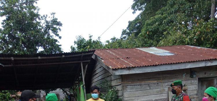 Babinsa Koramil 07/JH Laksanakan Tracing Kepada Keluarga Pasien Positif COVID-19