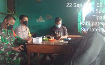 Babinsa Koramil 02/TP Berikan Himbauan Kepada Warga di Warung Kopi Untuk Patuhi Prokes