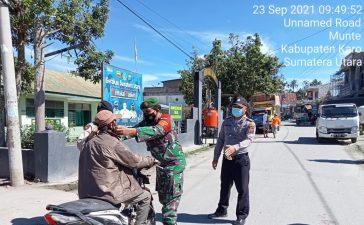 Babinsa Koramil 06/MT Laksanakan Giat Operasi Yustisi Bagi Pengguna Jalan