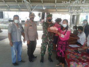 Babinsa Koramil 06/MT Awasi Penyerahan BLT Warga Desa Parimbalang