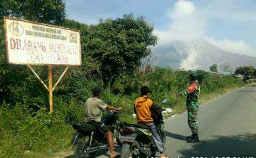 Anggota Koramil 05/PY Laksanakan Patroli di Wilayah Zona Merah Gunung Sinabung