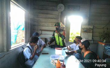 Babinsa Koramil 05/PY Berinisiatif Berikan Layanan Wifi Untuk Belajar Daring Sejumlah Pelajar