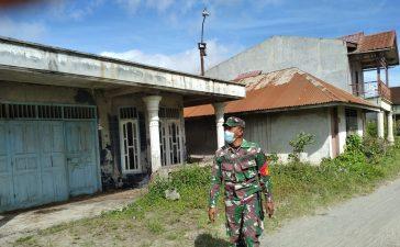 Babinsa Koramil 04/SE Terus Gaungkan Peringatan Memasuki Zona Merah Gunung Sinabung