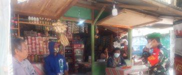 Babinsa Koramil 03/BT Ingatkan Pengunjung Wisata di Berastagi Patuhi Prokes