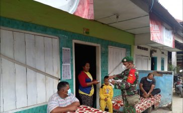 Babinsa Koramil 04/SE Rutin Himbau Masyarakat di Jalan Umum Desa Ndokum Siroga